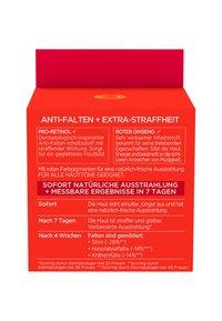 L'Oréal Paris - REVITALIFT ENERGISING RED DAY CREAM - Face cream - - - 5