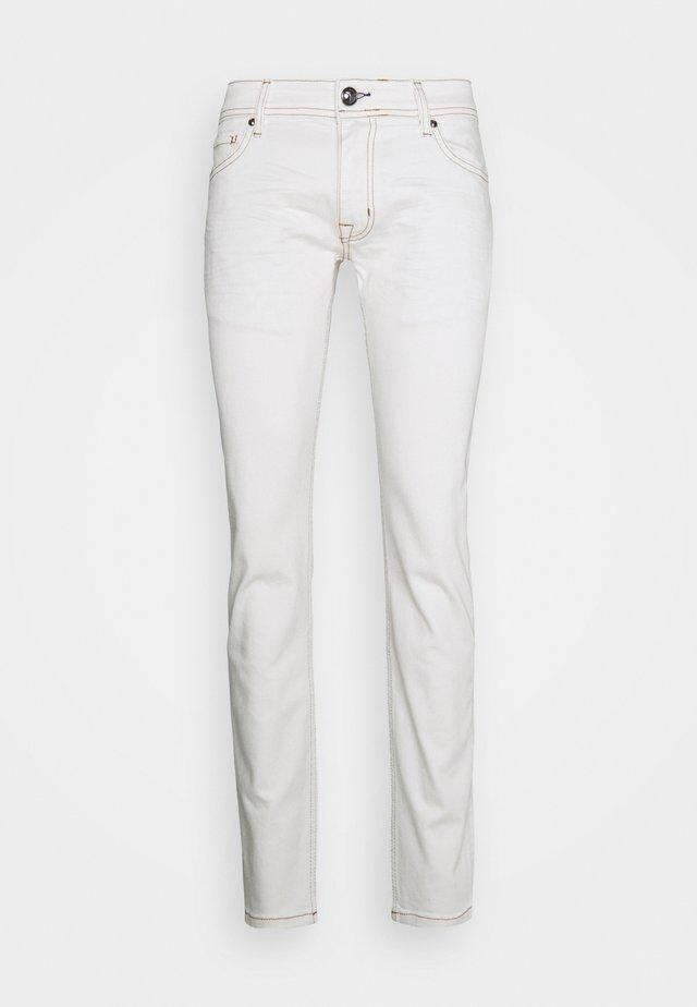 HAMOND  - Džíny Slim Fit - white