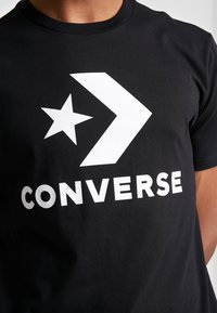 Converse - STAR CHEVRON TEE - Triko spotiskem - converse black - 5