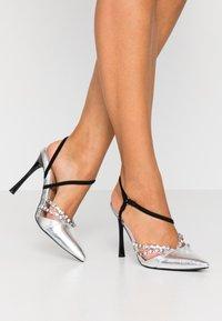 River Island - Zapatos altos - silver - 0