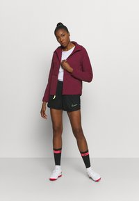 Nike Performance - Verryttelytakki - dark beetroot - 1