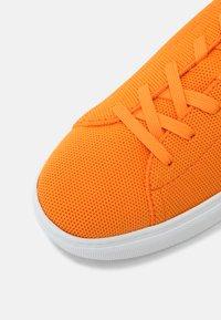 GREATS - ROYALE - Tenisky - blaze orange - 6