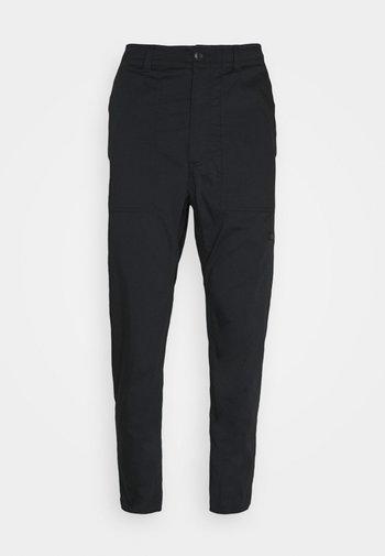 NOVELTY PANT - Pantalones - black
