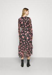 Vila - VIKAMAS DRESS - Denní šaty - black - 2