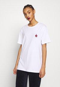YOURTURN - T-shirt - bas - white - 4