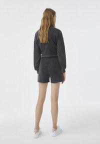 PULL&BEAR - Shorts - mottled dark grey - 2