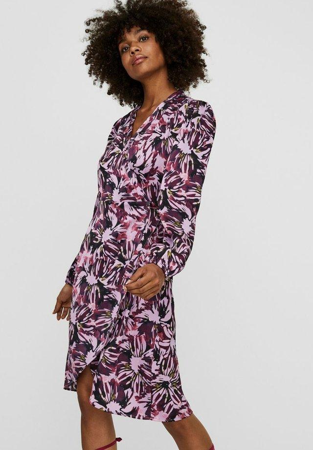Vapaa-ajan mekko - violet tulle