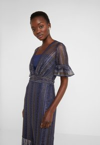 Three Floor - EXCLUSIVE DRESS - Day dress - navy gold - 3