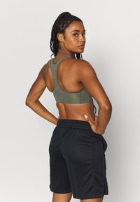 Nike Performance - BRA NON PAD - Sport BH - cargo khaki/black - 2