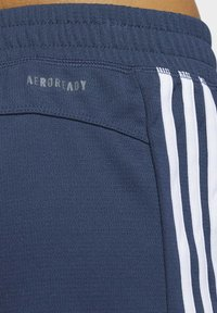 adidas Performance - PACER 3 STRIPES KNIT CLIMALITE SHORTS - Sports shorts - blue - 4