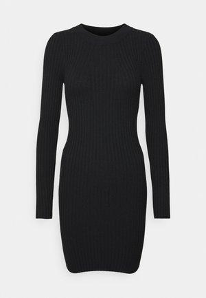 PCCRISTA LS O NECK NOOS BC - Pouzdrové šaty - black