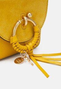 See by Chloé - JOAN CAMERA BAG - Umhängetasche - misty gold-coloured - 4