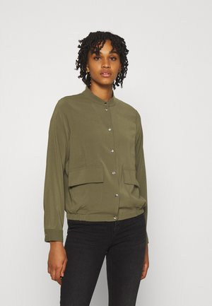 VMCOCO BUTTON  - Bomber Jacket - ivy green