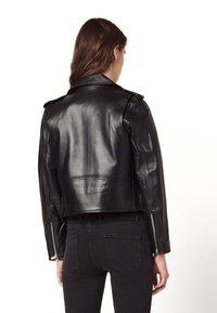 sandro - SIOUXIE - Leather jacket - noir - 2