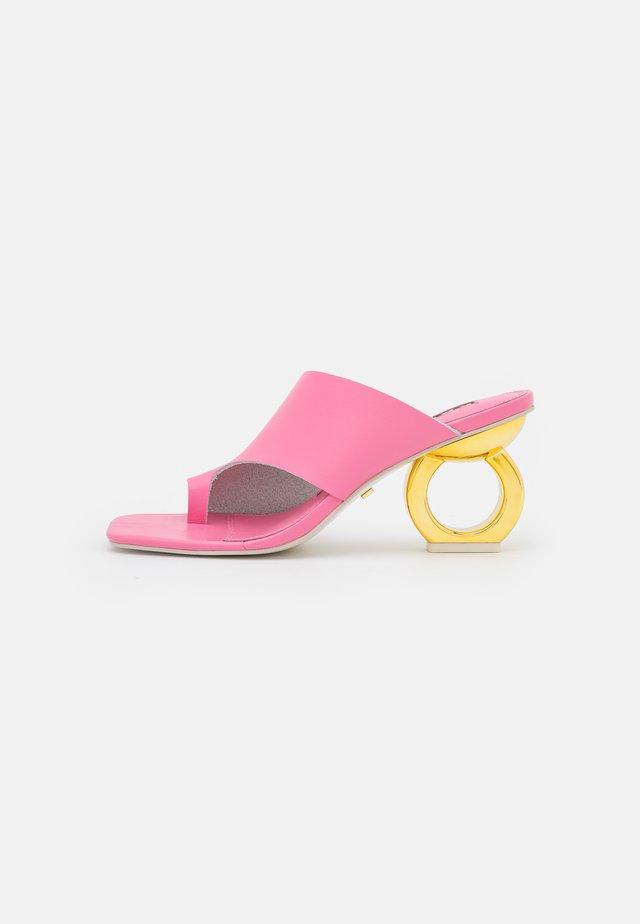 SIGRID - T-bar sandals - flamingo pink