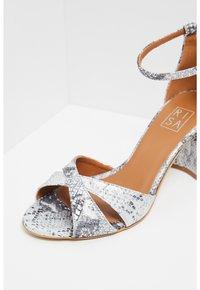 RISA - Sandals - schlange - 5