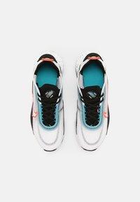 Nike Sportswear - AIR MAX 2090 UNISEX - Tenisky - white/turf orange/black/aquamarine - 3