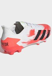 adidas Performance - PREDATOR 20.2 FG - Fotbollsskor fasta dobbar - ftwwht/cblack/pop - 3