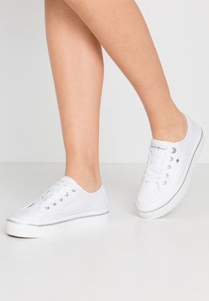 GLITTER DETAIL FLATFORM  - Baskets basses - white