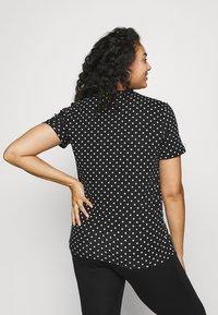 Lauren Ralph Lauren Woman - ALLI SHORT SLEEVE - T-shirt con stampa - black/white - 2