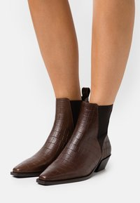 Zign - Classic ankle boots - dark brown - 0