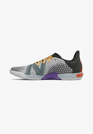 MINIMUS - Sports shoes - black/white