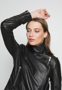 DRYKORN - PAISLY - Leather jacket - black - 4