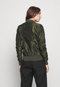 Alpha Industries - IRIDIUM - Bomberjacks - dark green - 2