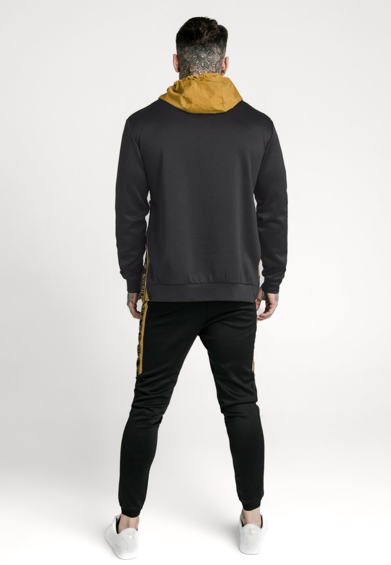 SIKSILK PANEL TAPE OVERHEAD HOODIE - Kapuzenpullover - black/gold/schwarz 6oVhlv