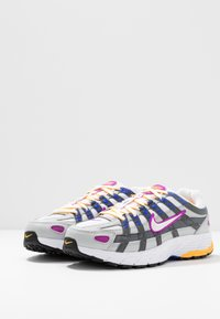 Nike Sportswear - P-6000 - Sneakers - grey fog/white/iron grey - 4