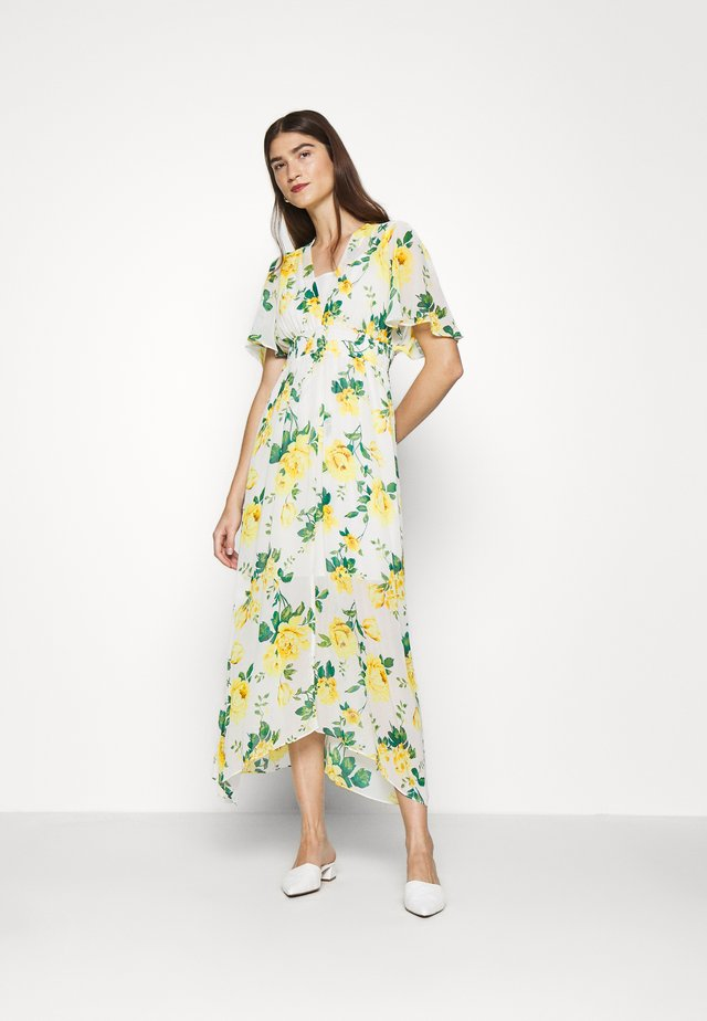 SHEERED WAIST FLORAL KIMONO DRESS - Day dress - yellow