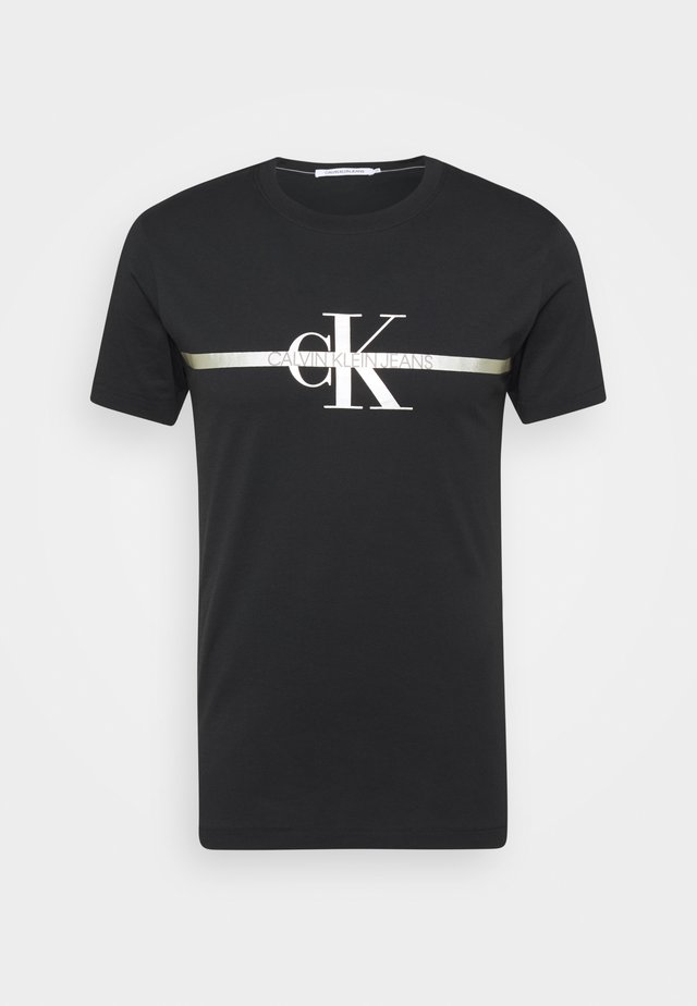 SEASONAL MONOGRAM TEE UNISEX - Print T-shirt - black