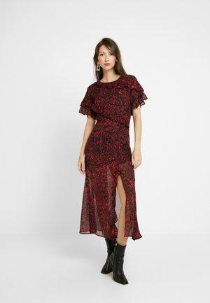 RUFFLE - Denní šaty - red