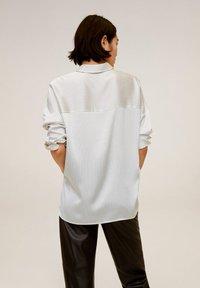 Mango - PAYITA - Button-down blouse - cremeweiß - 2