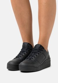 adidas Originals - FORUM BOLD - Trainers - core black/footwear white - 0
