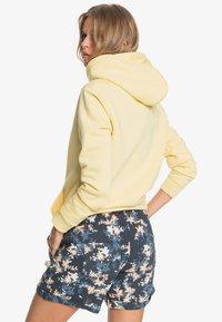 Roxy - ANOTHER KISS - Sports shorts - mood indigo aqua ditsy - 2