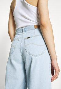 Lee - WIDE LEG - Flared Jeans - bleached denim - 4