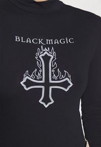 Missguided - HALLOWEEN BLACK MAGIC GRAPHIC BODYSUIT - Long sleeved top - black - 5