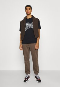 BOSS - BOSS X RUSSELL ATHLETIC - T-Shirt print - navy - 1