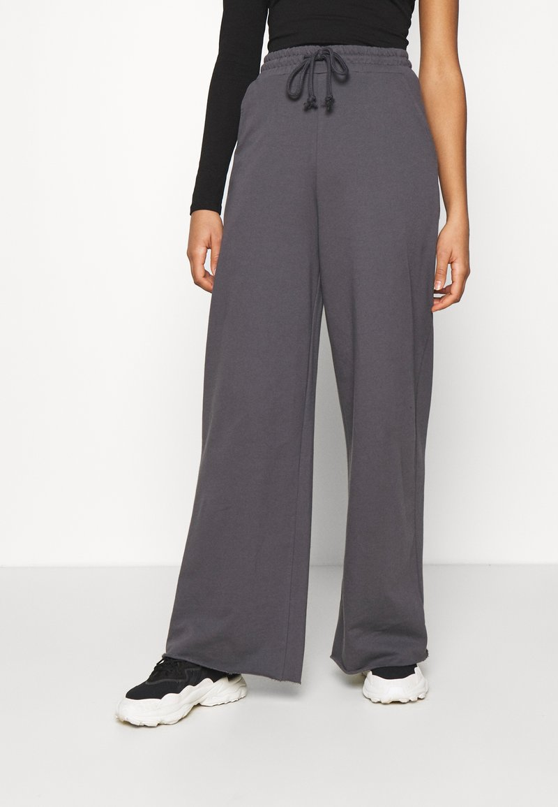 Nly by Nelly - ALL YOU NEED PANTS - Tracksuit bottoms - anthracite