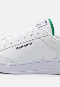 Reebok Classic - AD COURT UNISEX - Zapatillas - footwear white - 5