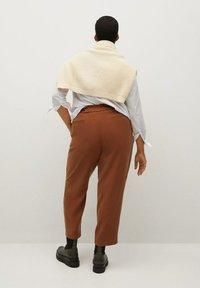 Violeta by Mango - KENIA - Trousers - bräunliches orange - 2