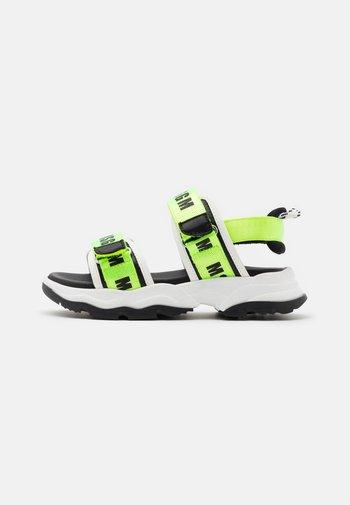 Sandals - neon green