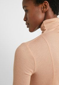BLANCHE - WRAPPA BLOUSE - Svetr - toffee - 6