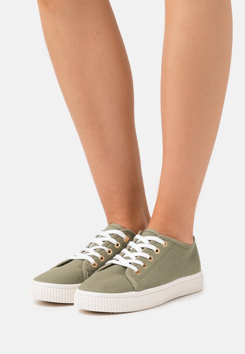 Rubi Shoes by Cotton On - CHELSEA CREEPER PLIMSOLL - Sneakers laag - khaki