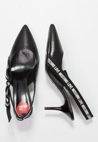 Love Moschino - Pumps - black - 3