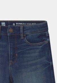 GAP - GIRL BERMUDA - Shorts di jeans - blue denim - 2