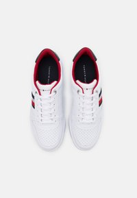 Tommy Hilfiger - BASKET CUPSOLE  - Zapatillas - white - 3