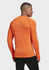 adidas Performance - RUNNER LONG-SLEEVE TOP - Long sleeved top - orange - 2