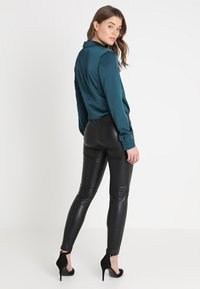 Missguided - WRAP FRONT SIDE TIE - Blouse - teal